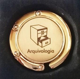99978 PRENDEDOR DE BOLSA ARQUIVOLOGIA